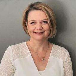 Photo of Dr. Ronel Oosthuizen