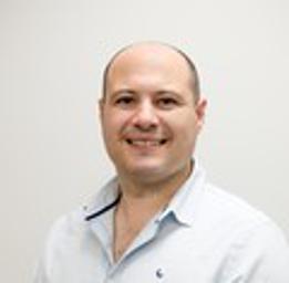 Photo of Dr. Deon Van Heerden