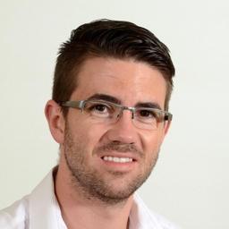 Photo of Dr. Stefan Victor