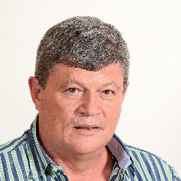 Photo of Dr. Christo van Zyl