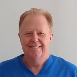 Photo of Dr. Riaan van der Linde