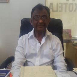 Photo of Dr. Ishwarduth Parag