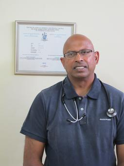 Photo of Dr. Yaj Chetty